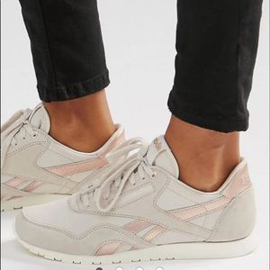 Reebok Shoes - Rose gold Reebok